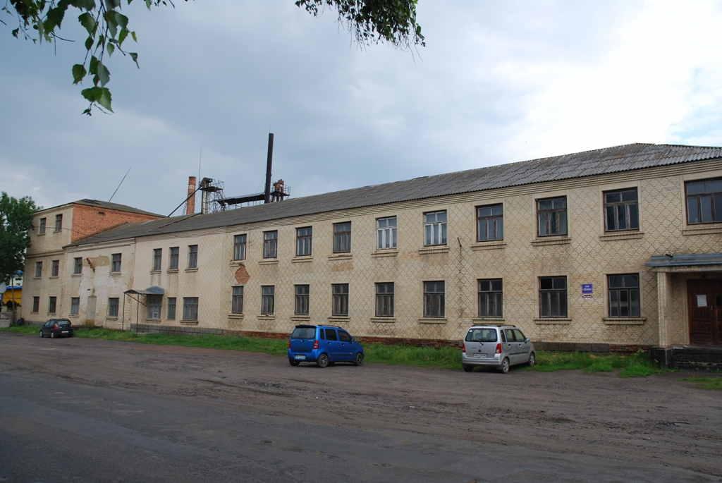 Продаються 2 і 3-х поверхові виробничі та адміністративні приміщенняплощею 2.180 кв.м