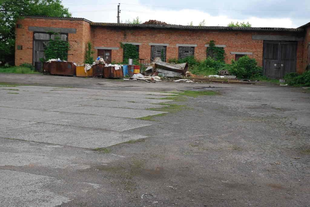 Продам складське приміщення – 185 кв.м з комунікаціями та правом власності