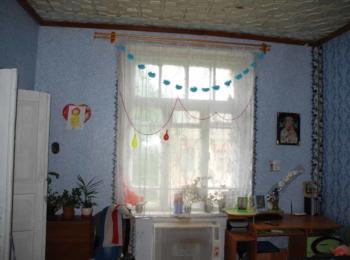 Продам 2-х кімнатну квартиру земельна ділянка та сарайчик в дворі