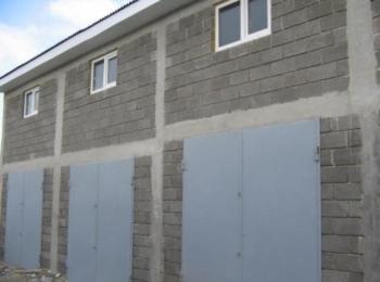 Продається в с. Нестерварка 9 гаражів загальною площею 400 кв.м.