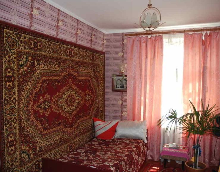 Продається жилий хазяйський будинок, 6 соток приватизованої землі