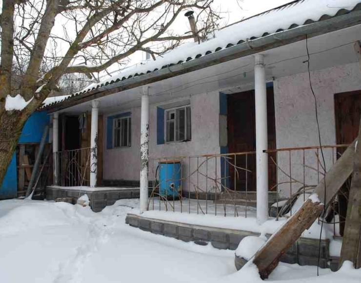Продається доглянутий хазяйський будинок з ремонтом