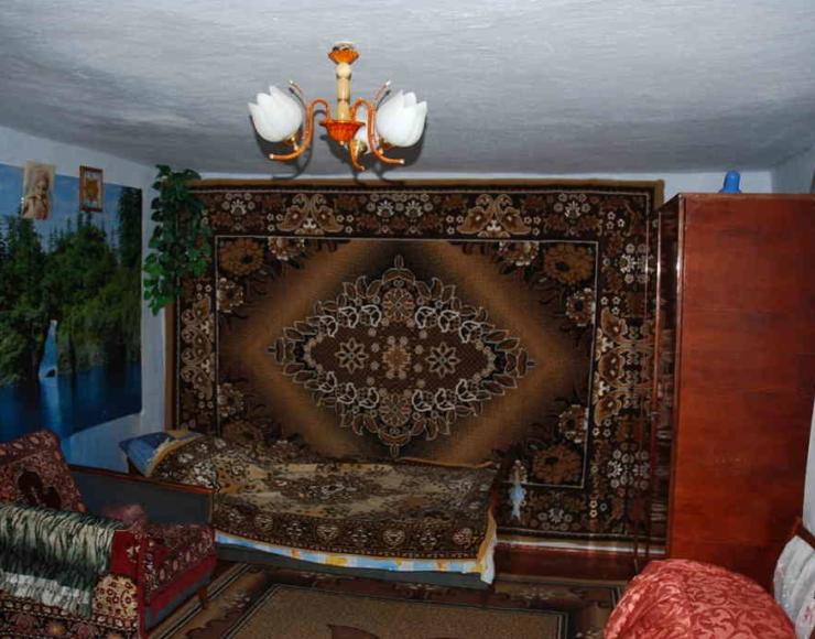 Продам недорого утеплений будинок з меблями, 35 соток землі
