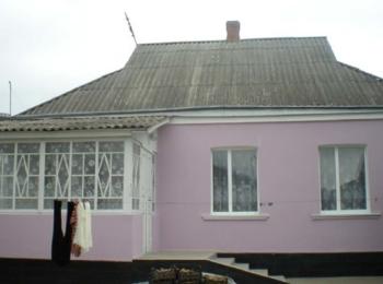 Продається утеплений будинок в с. Мазурівка по центральній дорозі