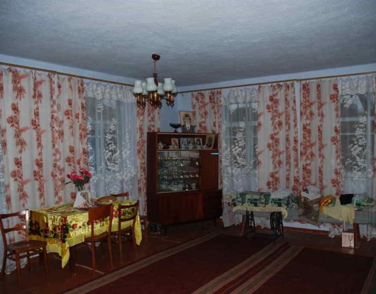 Продається будинок с. Суворовське в районі церкви