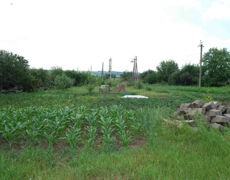 Продається земельна ділянка в районі ПТУ зі сторони Мазурівки