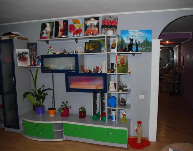 Продам 3-х кімнатну квартиру з меблями та ремонтом в центрі міста